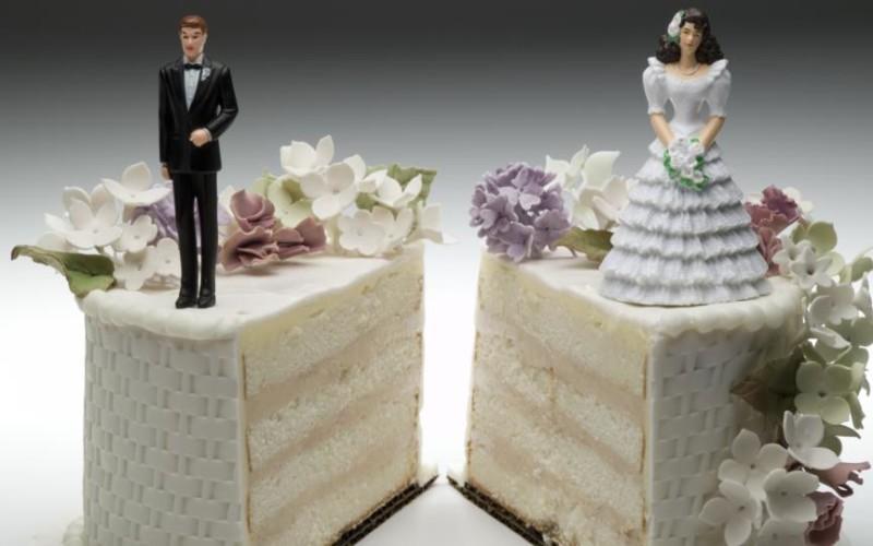 Tribunale di Treviso: revocabile l'assegno di divorzio solo se la ex è concretamente indipendente