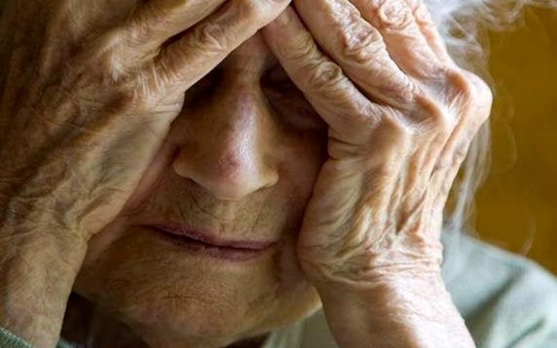Sì all'assegno di divorzio alla 50enne che ha dedicato una vita alla famiglia