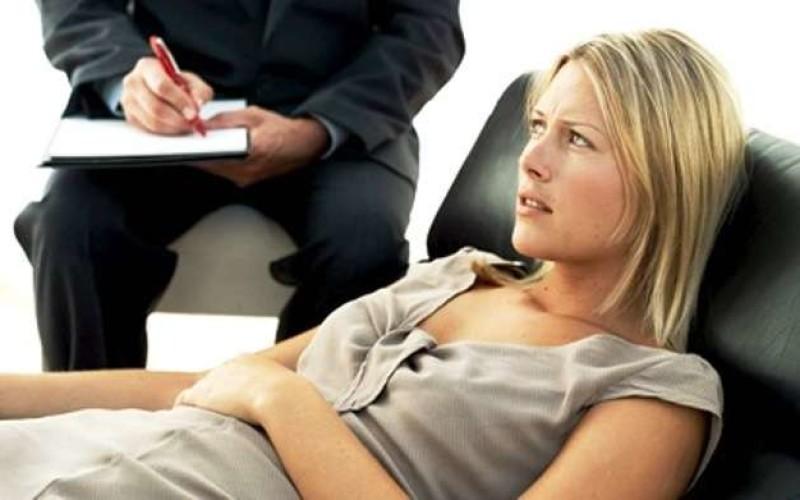 Lede i diritti costituzionali della madre l'invito del Giudice ad un percorso psicoterapeutico