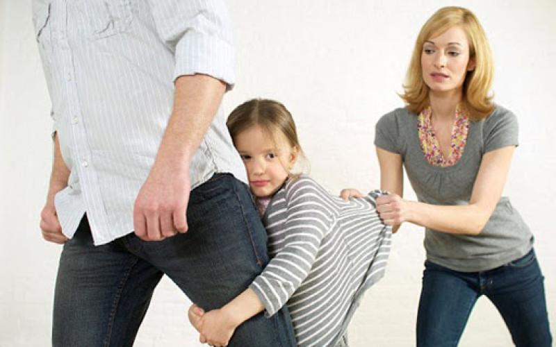 Affido esclusivo al padre se la madre manipola la figlia