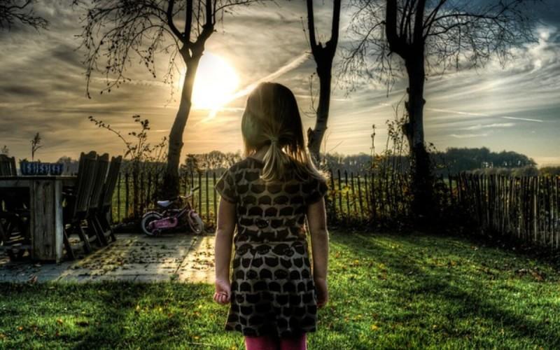 Il padre che trascura la figlia la risarcisce solo se i danni sono provati