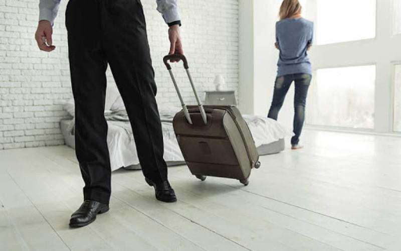 Addebito della separazione al marito che se ne va di casa senza un giusto motivo