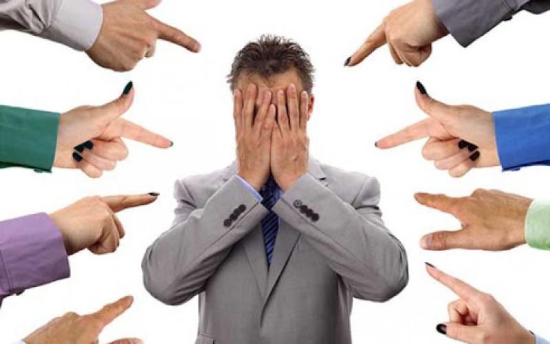 Condanna all'amministratore che spiffera i debiti dei condomini