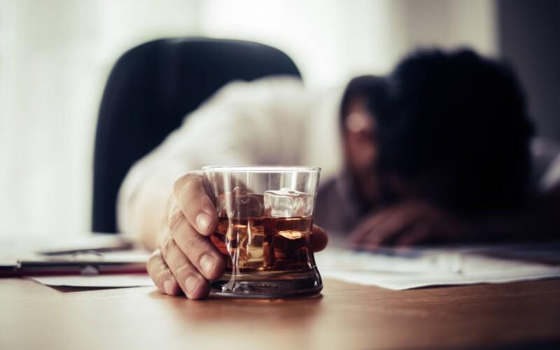 L'alcolismo è motivo di addebito della separazione