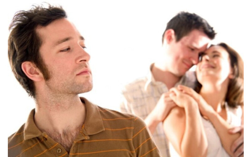 Niente assegno all'ex moglie se convive con un altro