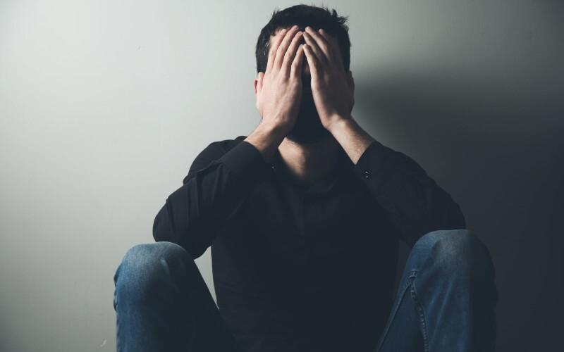 Risarcimento al coniuge depresso solo se prova il nesso con l'infedeltà coniugale