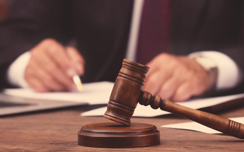 Il mutamento della giurisprudenza non basta per la revoca dell'assegno divorzile