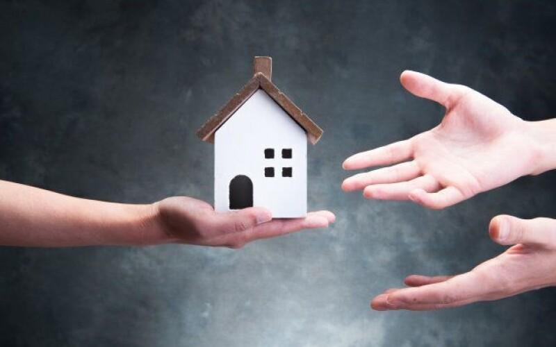 I suoceri che elargiscono denaro per l'acquisto di una casa compiono donazione indiretta