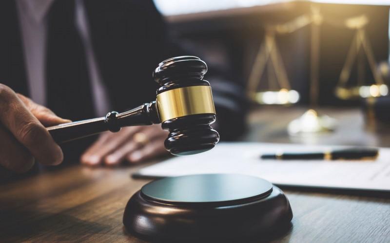 E' improcedibile la domanda di divorzio congiunto se un coniuge revoca il consenso